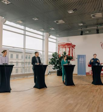 Leonard Seabrooke, professor ved Institut for Organisation, Copenhagen Business School - og nr. to fra højre - holder oplæg