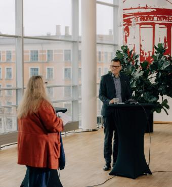 Lisbeth Knudsen interviewer Torben Elgaard Jensen, professor ved Institut for Kultur og Læring, Aalborg Universitet