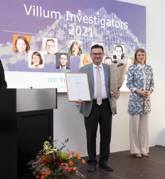 Remus Teodorescu modtager sit Villum Investigator diplom